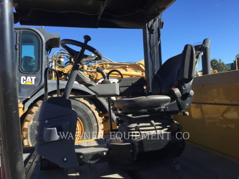CATERPILLAR GUMMIRADWALZEN CW34 equipment  photo 6