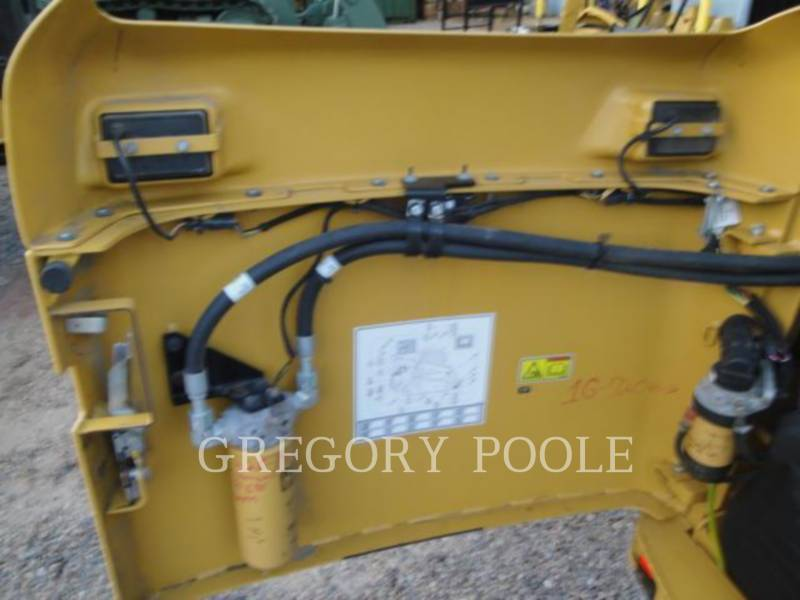 CATERPILLAR MULTI TERRAIN LOADERS 257B3 equipment  photo 16