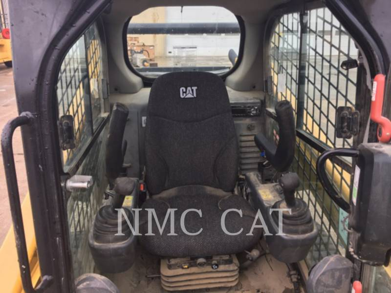 CATERPILLAR CARGADORES MULTITERRENO 257D equipment  photo 5