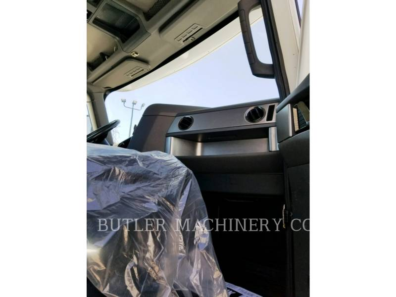 CATERPILLAR CAMIONS ROUTIERS CT660 equipment  photo 9