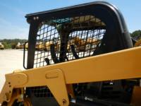 CATERPILLAR CHARGEURS TOUT TERRAIN 239D equipment  photo 23