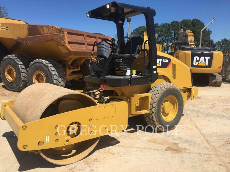 CATERPILLAR COMPACTADORES DE SUELOS CS-44 equipment  photo 1