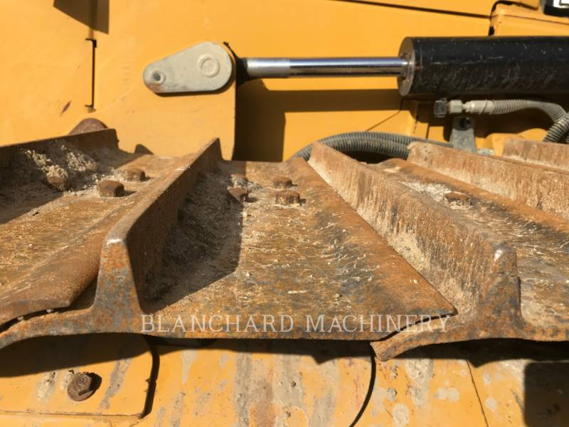 CATERPILLAR TRATTORI CINGOLATI D3K2LGP equipment  photo 14