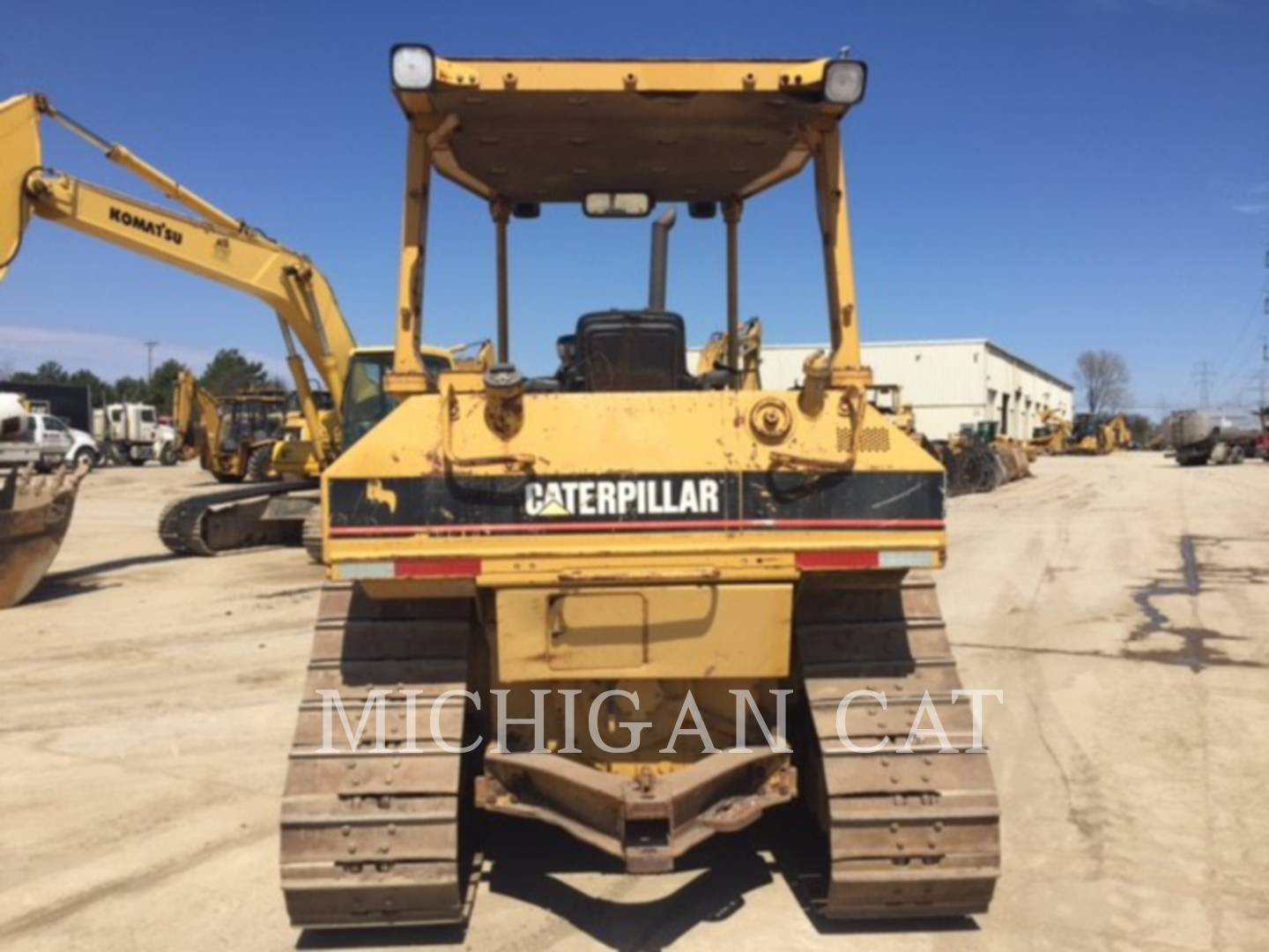 Detail photo of 1998 Caterpillar D5M from Construction Equipment Guide