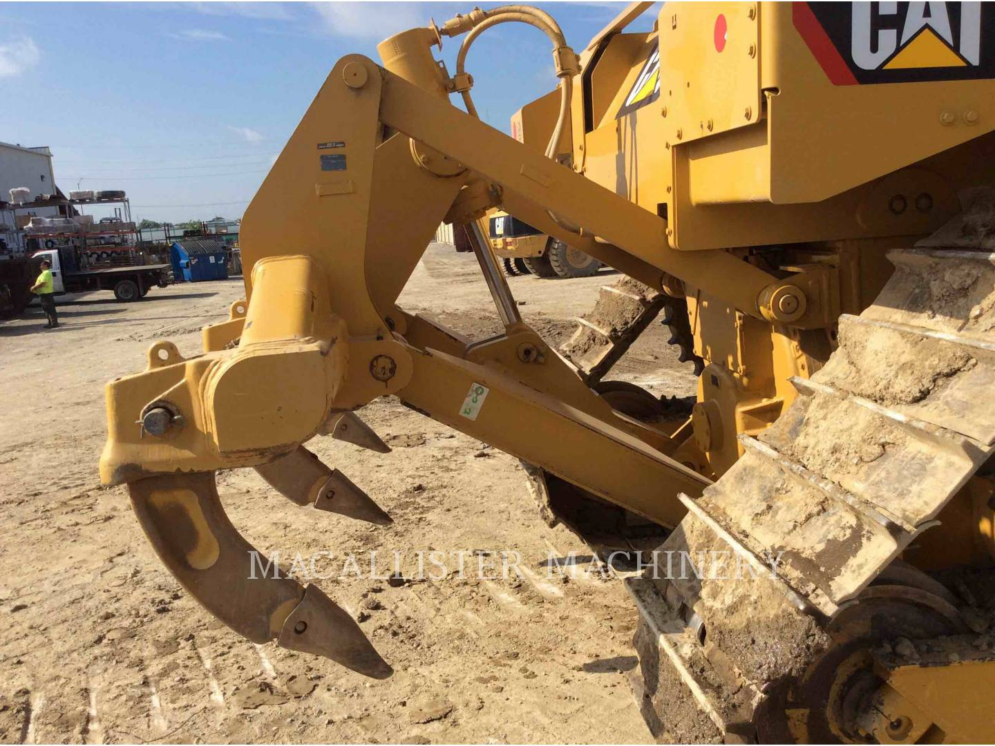 Detail photo of 2014 Caterpillar D6T from Construction Equipment Guide