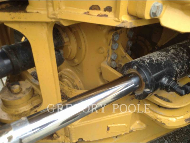 CATERPILLAR CAMIONES ARTICULADOS 725C equipment  photo 17