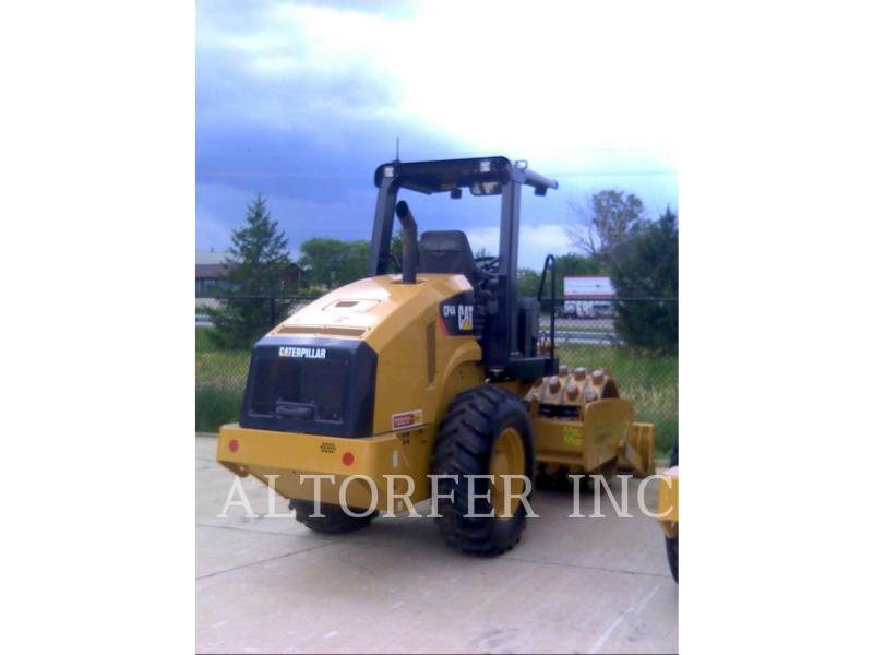 CATERPILLAR COMPACTEUR VIBRANT, MONOCYLINDRE LISSE CP44 equipment  photo 3