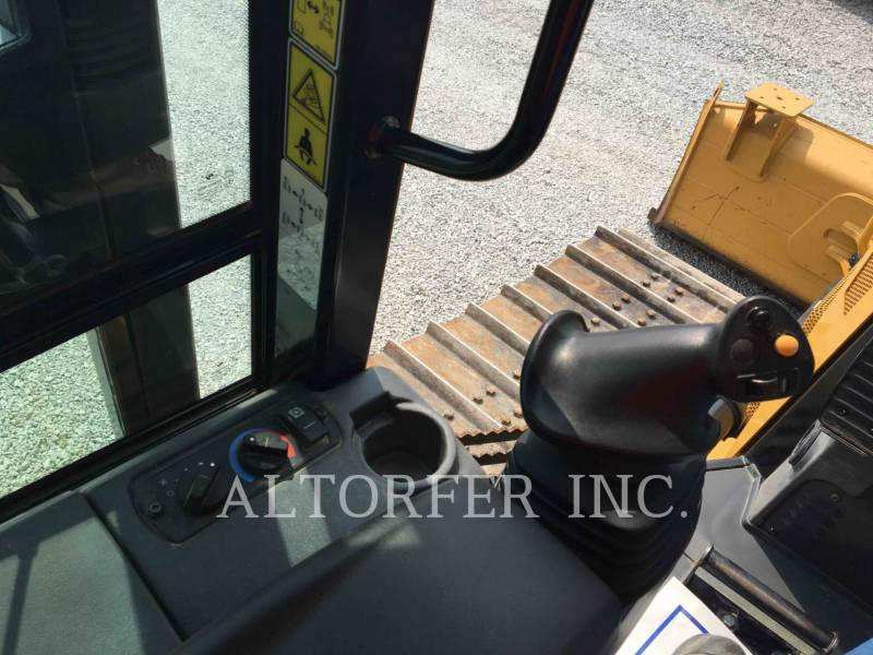 CATERPILLAR KETTENDOZER D4K2LGP equipment  photo 9