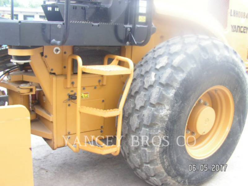 CATERPILLAR COMPATTATORE A SINGOLO TAMBURO VIBRANTE LISCIO CS56B equipment  photo 11