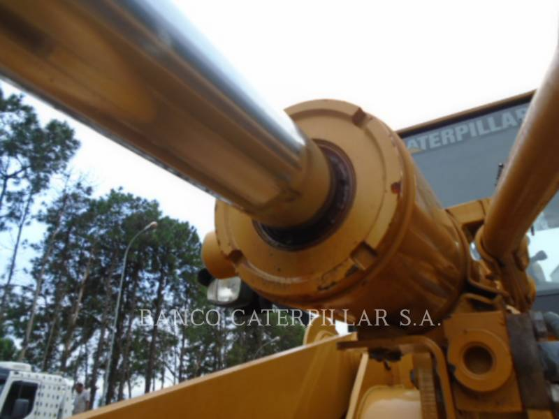 CATERPILLAR CARGADORES DE RUEDAS 938H equipment  photo 8