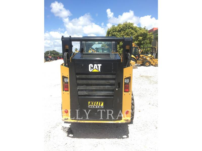 CATERPILLAR SKID STEER LOADERS 242 D equipment  photo 4
