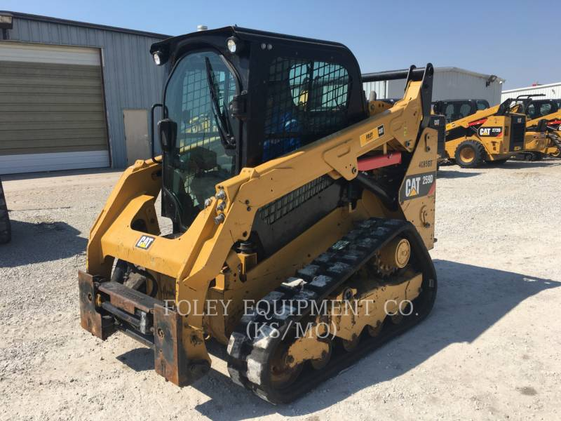 CATERPILLAR MULTI TERRAIN LOADERS 259D equipment  photo 2