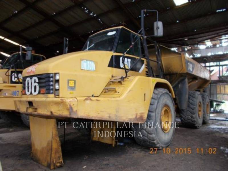 Caterpillar CAMIOANE ARTICULATE 740 equipment  photo 1