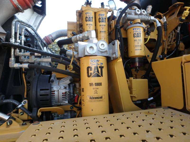 CATERPILLAR KNICKGELENKTE MULDENKIPPER 745C equipment  photo 9