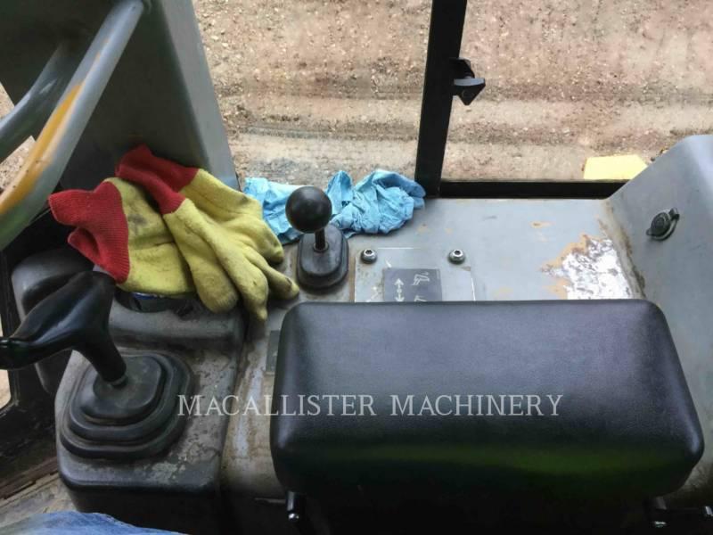 CATERPILLAR TRACK TYPE TRACTORS D5G equipment  photo 13