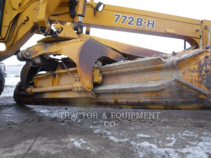JOHN DEERE NIVELEUSES 772BH equipment  photo 18
