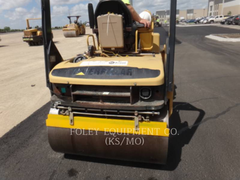 CATERPILLAR TAMBOR DOBLE VIBRATORIO ASFALTO CB-334EII equipment  photo 10