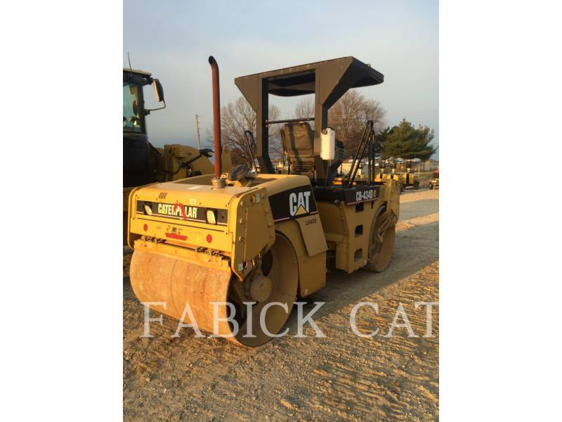 CATERPILLAR COMPACTEURS TANDEMS VIBRANTS CB434D equipment  photo 2