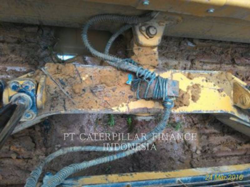 CATERPILLAR TRACK TYPE TRACTORS D6R equipment  photo 15