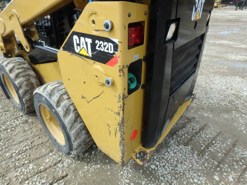 CATERPILLAR SKID STEER LOADERS 232D equipment  photo 17