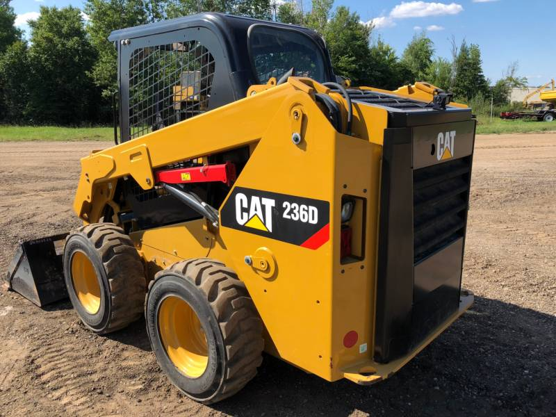 CATERPILLAR CHARGEURS COMPACTS RIGIDES 236 D equipment  photo 7