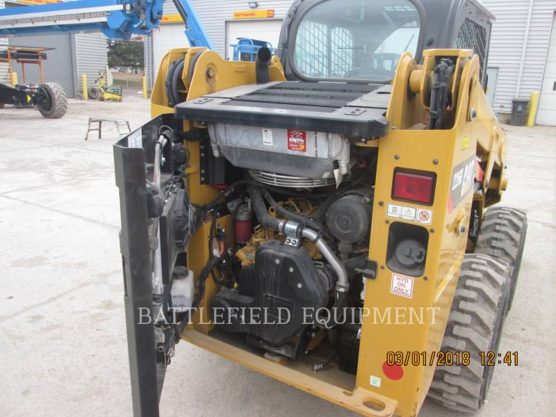 CATERPILLAR CHARGEURS COMPACTS RIGIDES 226D equipment  photo 7