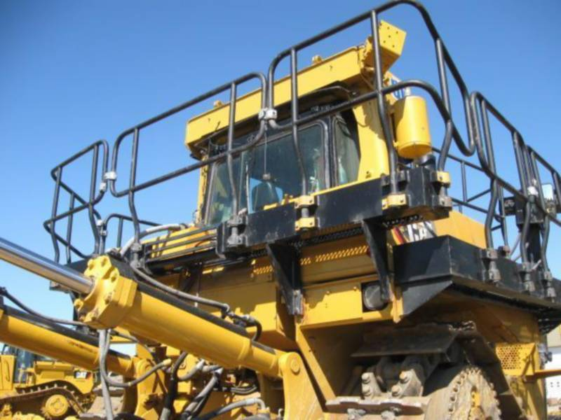 CATERPILLAR TRACTORES DE CADENAS D10T equipment  photo 14