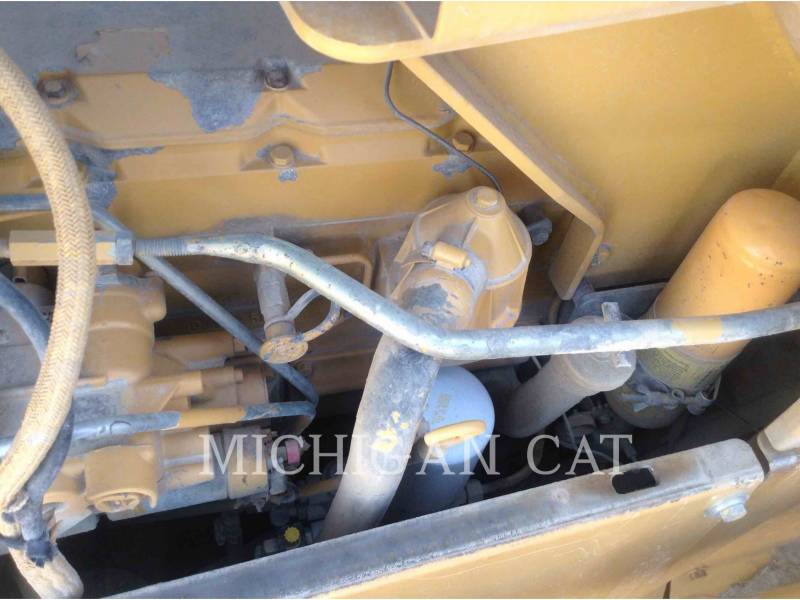 CATERPILLAR TRACTORES DE CADENAS D5ML equipment  photo 10