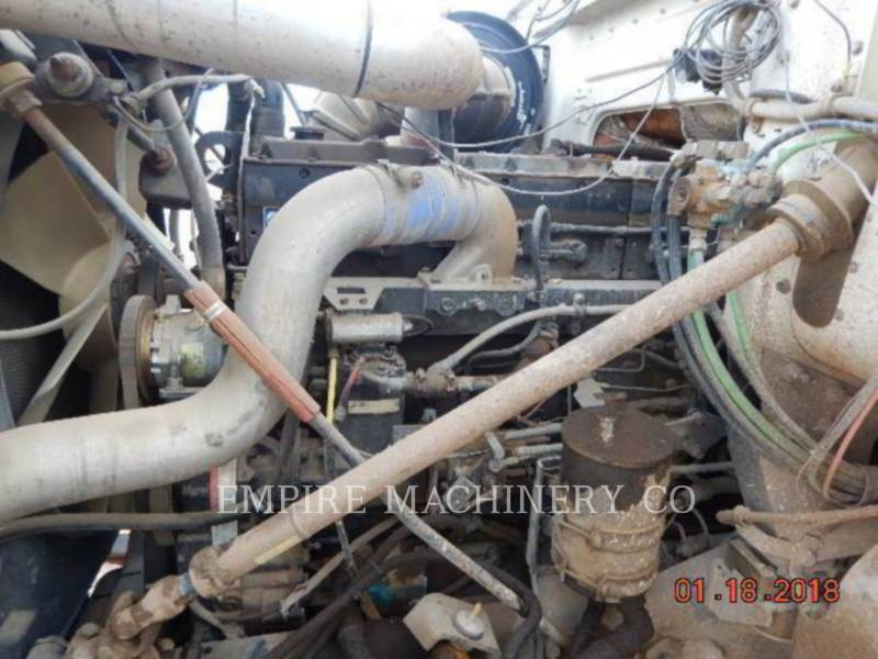 VOLVO CONST. EQUIP. NA, INC. SAMOCHODY-CYSTERNY 4K TRUCK equipment  photo 2
