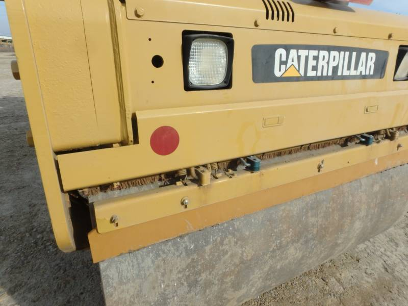 CATERPILLAR VIBRATORY DOUBLE DRUM ASPHALT CB-434D equipment  photo 16