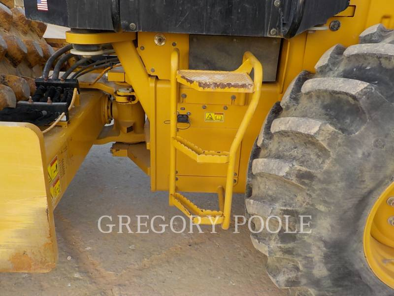 CATERPILLAR COMPACTEUR VIBRANT, MONOCYLINDRE À PIEDS DAMEURS CP-56B equipment  photo 16
