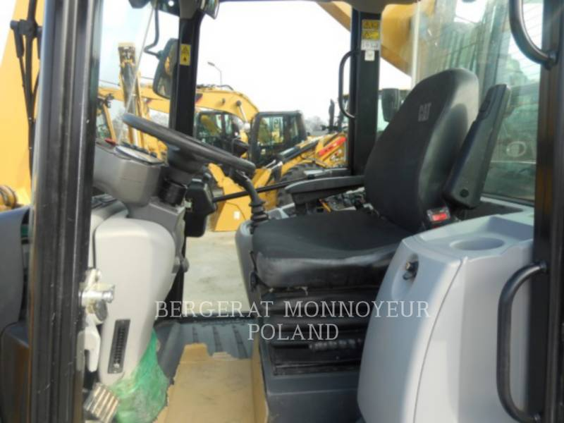 CATERPILLAR CARGADORES DE RUEDAS 906 M equipment  photo 9