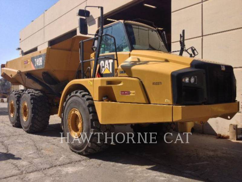 Caterpillar CAMIOANE CU BENĂ BASCULANTĂ 740B equipment  photo 6