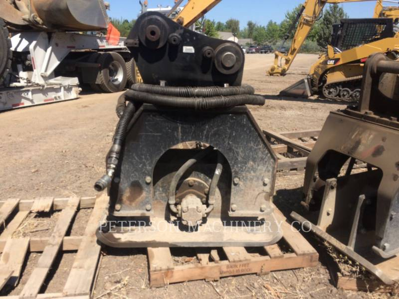 CATERPILLAR COMPACTADORES CVP110 320 equipment  photo 1