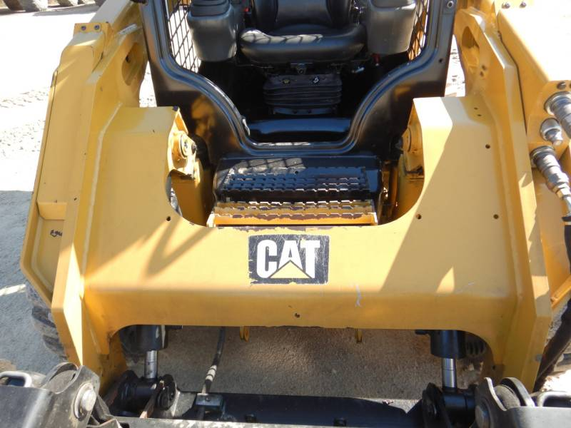 CATERPILLAR KOMPAKTLADER 262D equipment  photo 12