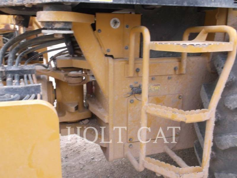 CATERPILLAR COMPATTATORE A SINGOLO TAMBURO VIBRANTE TASSELLATO CP56B equipment  photo 7