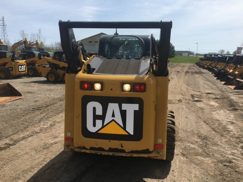 CATERPILLAR SKID STEER LOADERS 262C2 equipment  photo 13