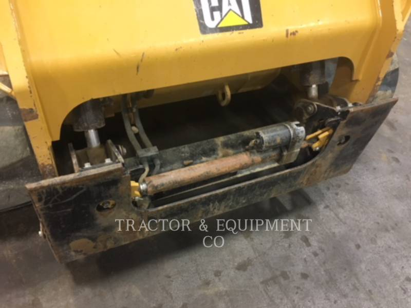 CATERPILLAR CHARGEURS COMPACTS RIGIDES 279D equipment  photo 9