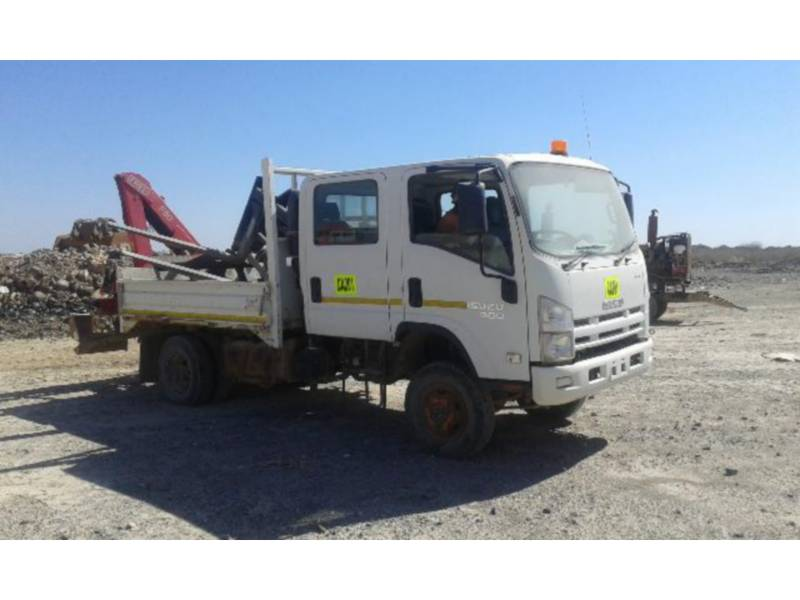 ISUZU ON HIGHWAY TRUCKS 300 WITH F50 FASSI CRANE equipment  photo 1