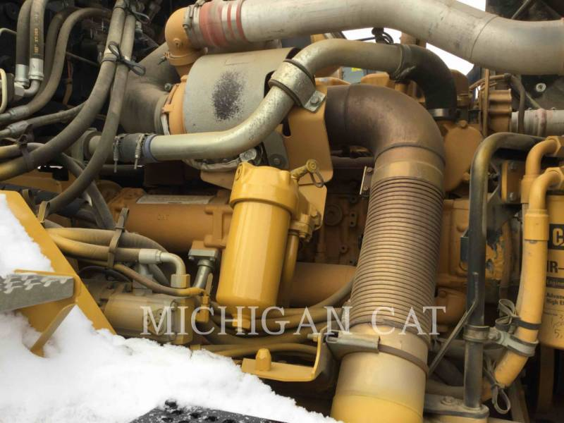 CATERPILLAR TOMBEREAUX ARTICULÉS 740 T equipment  photo 9