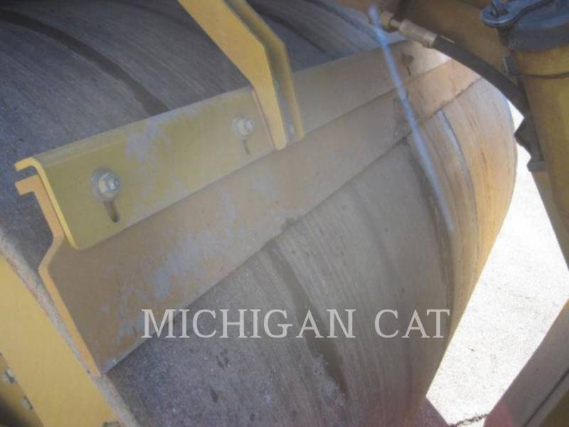 CATERPILLAR VIBRATORY DOUBLE DRUM ASPHALT CD54 equipment  photo 11