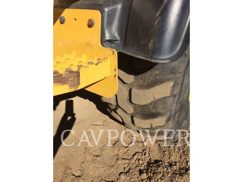 CATERPILLAR CARGADORES DE RUEDAS 908H equipment  photo 15