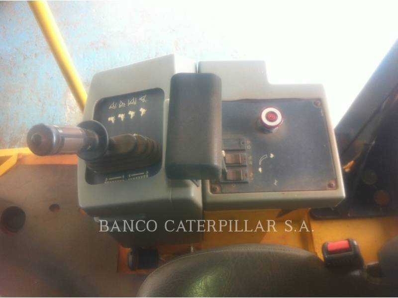 CATERPILLAR COMPACTADORES DE SUELOS CS-423E equipment  photo 12