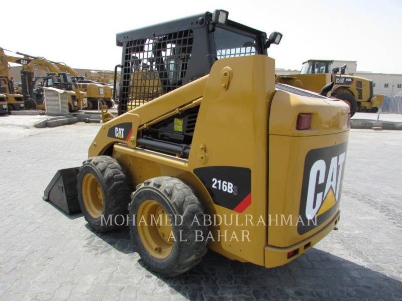 CATERPILLAR CHARGEURS COMPACTS RIGIDES 216B3LRC equipment  photo 3