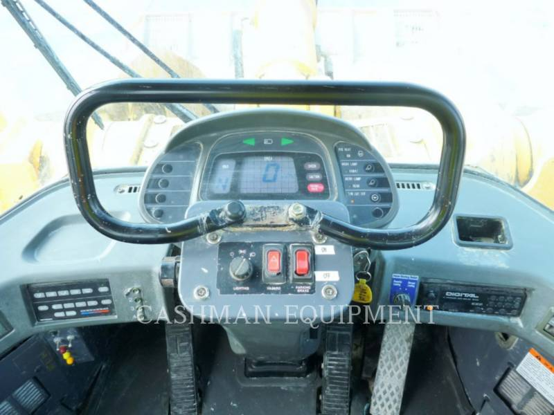 KOMATSU CARGADORES DE RUEDAS WA700-3 equipment  photo 8