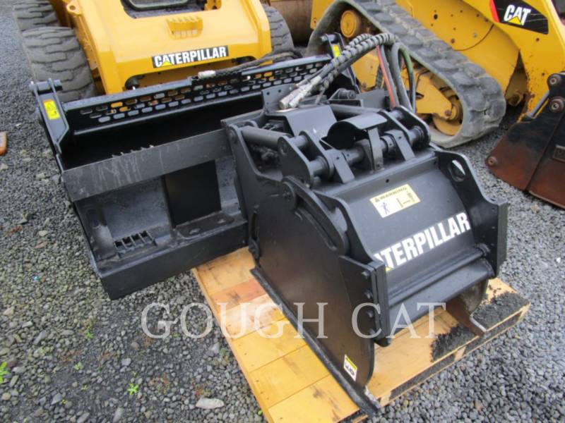 CATERPILLAR KOMPAKTLADER 246C equipment  photo 6