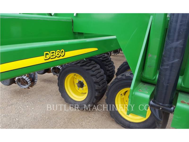 DEERE & CO. PLANTING EQUIPMENT DB60 equipment  photo 8