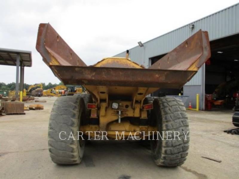 CATERPILLAR KNICKGELENKTE MULDENKIPPER 725 equipment  photo 6