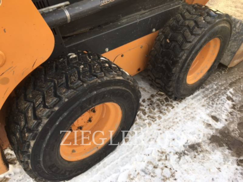 CASE/NEW HOLLAND SKID STEER LOADERS SR210 equipment  photo 4