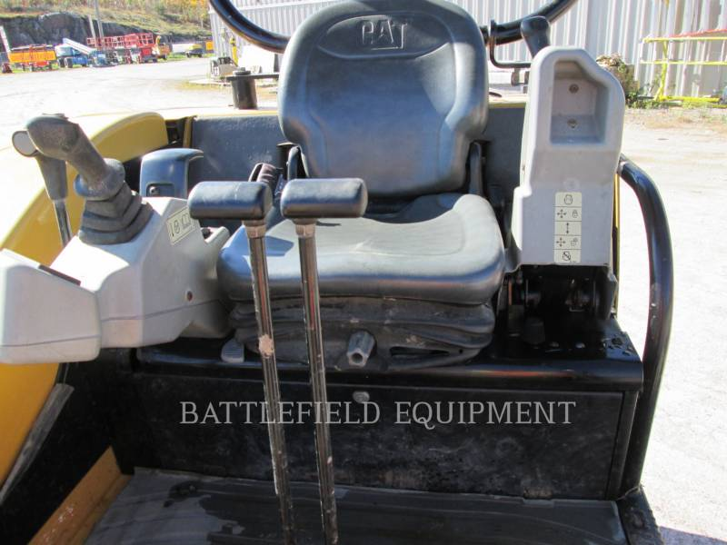 CATERPILLAR トラック油圧ショベル 302.5C equipment  photo 6